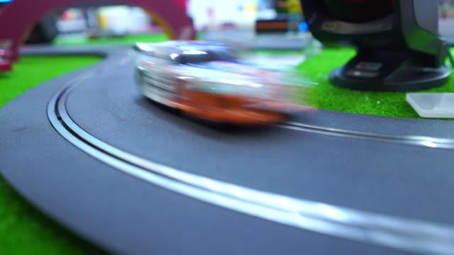 レーシングカー , おもちゃ , クローズアップ - 遊具点の映像素材/bロール
