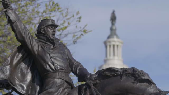 vídeos y material grabado en eventos de stock de rack focus of ulysses s grant memorial to statue of freedom - ulysses s grant