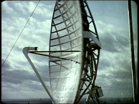 1963 MONTAGE Radar screen; Meteorology base along coast / Japan