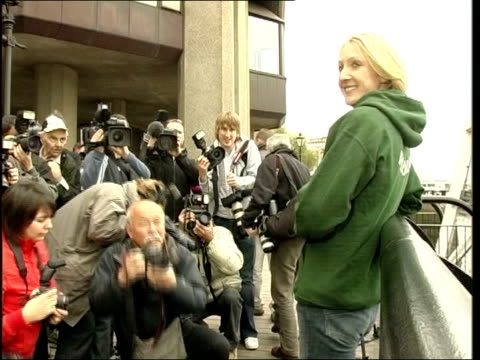radcliffe england london ext tls paula radcliffe on bank of river thames posing for pix side cms radcliffe side ms radcliffe as press take pix paula... - 2005 stock videos & royalty-free footage