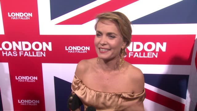 vídeos y material grabado en eventos de stock de interview radha mitchell on where her character picks picks up in this film why the characters bond is even stronger this time around what makes... - cinerama dome hollywood