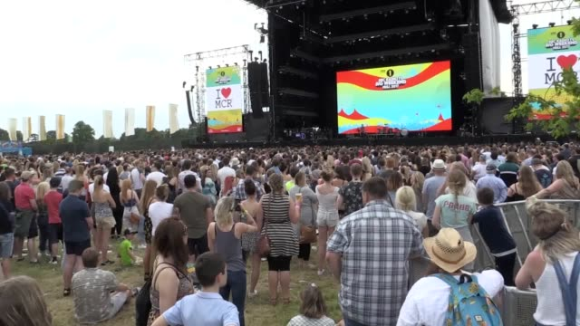 radio 1 breakfast show host nick grimshaw leads a minutes silence at the radio one big weekend in hull in remembrance of the victims of the... - radio 1 big weekend stock-videos und b-roll-filmmaterial