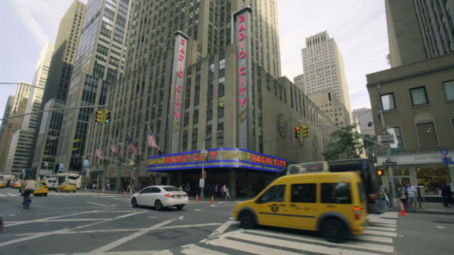 radio city hall - establishing shot - radio city music hall stock videos and b-roll footage