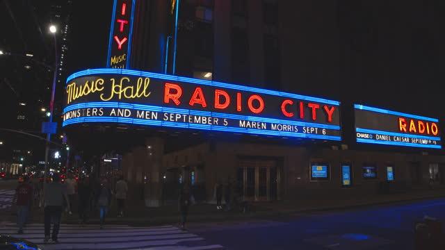 radio city music hall, manhattan, night time - radio city music hall stock videos & royalty-free footage