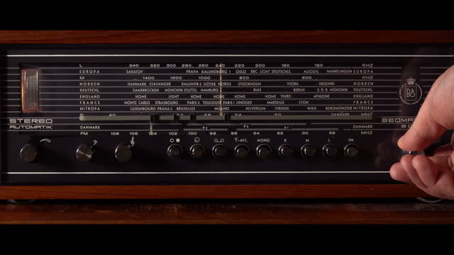 radio dial, searching for stations. tuning analog radio dial frequency on scale of the vintage receiver. 4k - radio broadcasting stock videos & royalty-free footage