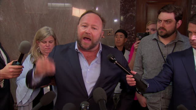 stockvideo's en b-roll-footage met radio host alex jones remarks on his reasons for being at the senate social media hearing on september 5 2018 in washington dc - united states and (politics or government)