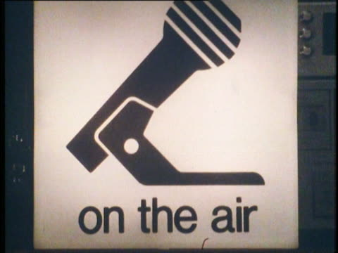 1982 radio microphone 'on air' sign, nyc, ny - ラジオ放送点の映像素材/bロール