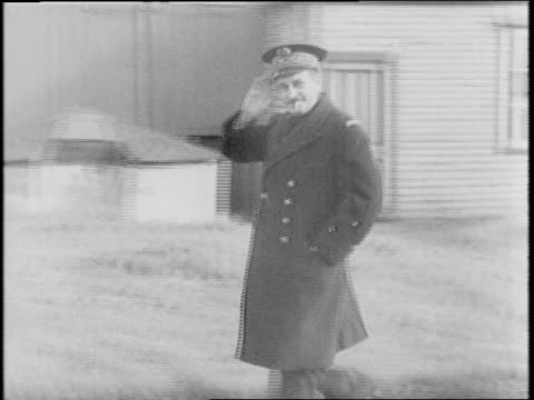 vidéos et rushes de radio station is shut down after free french coup of saint pierre and miquelon / station accused of broadcasting weather to german troops / views of... - saint pierre et miquelon