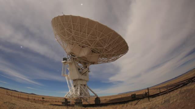 radiotelescopio - astronomia video stock e b–roll