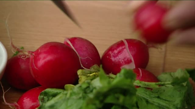 radishes - crucifers stock videos & royalty-free footage