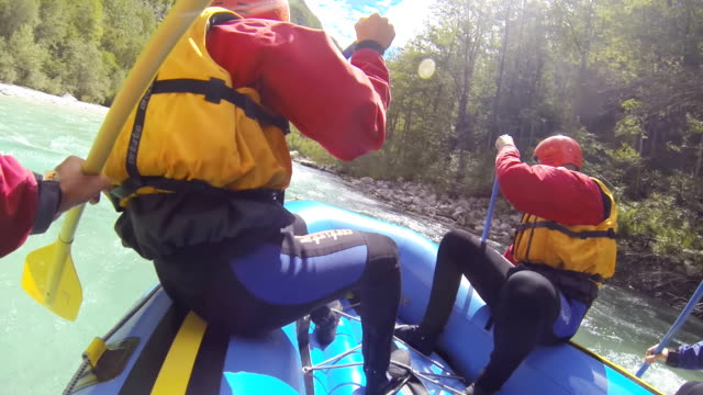 ms rafters rowing down the river - whitewater rafting stock videos & royalty-free footage