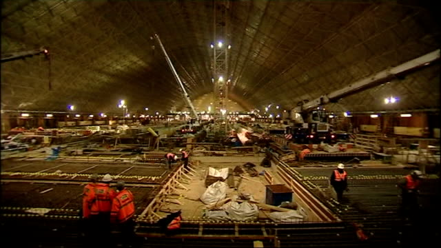 channel tunnel rail link progress gv st pancras station undergoing renovation pan reconstruction work underway cms holden interview sot need a... - kettenglied stock-videos und b-roll-filmmaterial