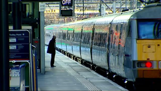 vídeos y material grabado en eventos de stock de rail fares rise / train companies could reduce first class carriages ext matt dykes interview sot brighton vox pops london various shots of people... - east sussex