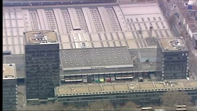 vídeos y material grabado en eventos de stock de sir david higgins calls for earlier completion date; lib air view - aerial of euston station - eslabón