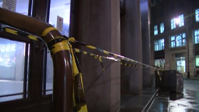 london underground 24hour strike causes gridlock in london england london tape cordons outside london underground station closed doors london... - itv london lunchtime news点の映像素材/bロール