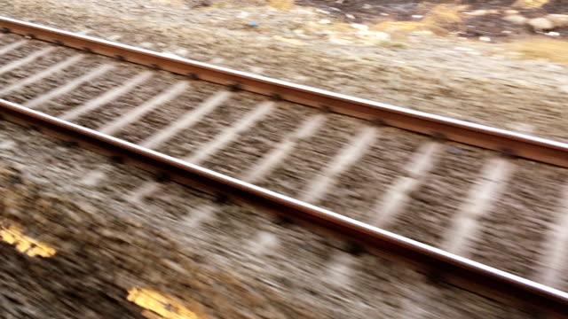 eisenbahn - güterzug stock-videos und b-roll-filmmaterial