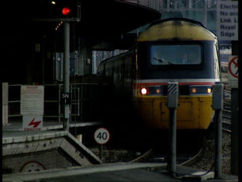 Railtrack repairs delay LIB EXT Virgin intercity train along