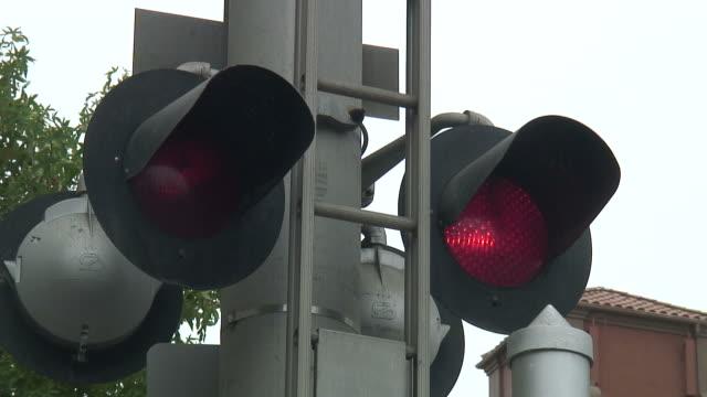 (HD1080i) Railway Crossing Bells and Flashing Lights