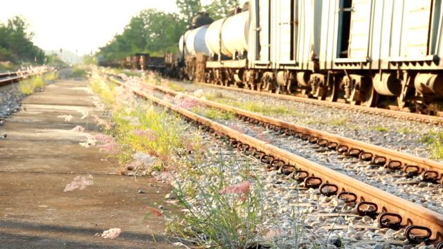 鉄道エンジン駅です。 - 交通輸送点の映像素材/bロール