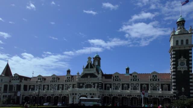 vídeos y material grabado en eventos de stock de estación de tren - dunedin, nueva zelanda - aumento digital