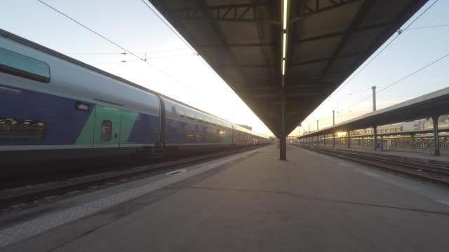 vídeos y material grabado en eventos de stock de railway station - estación de tren