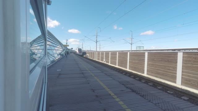railway station - järnvägsperrong bildbanksvideor och videomaterial från bakom kulisserna