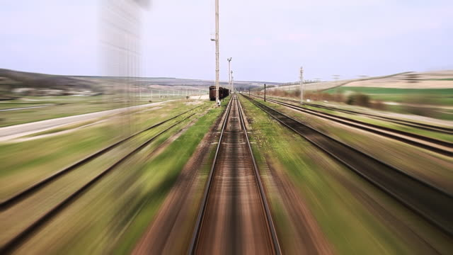 stockvideo's en b-roll-footage met railway travel - time lapse - locomotief
