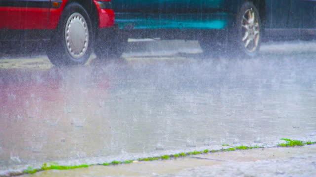 rain and cars - volume fluid capacity stock videos & royalty-free footage