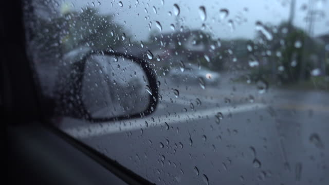 rain fall on side mirror - wing mirror stock videos & royalty-free footage