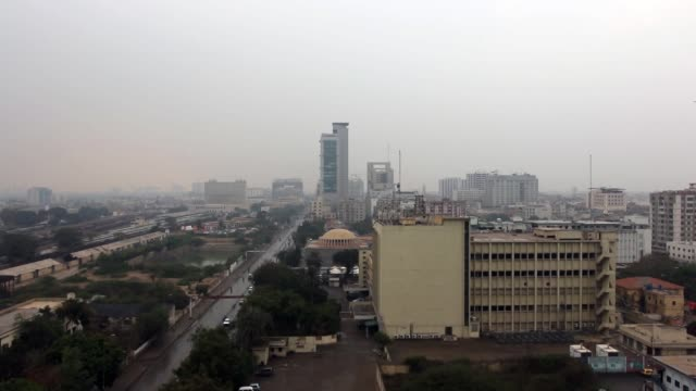 rain in karachi pakistan - karachi stock-videos und b-roll-filmmaterial