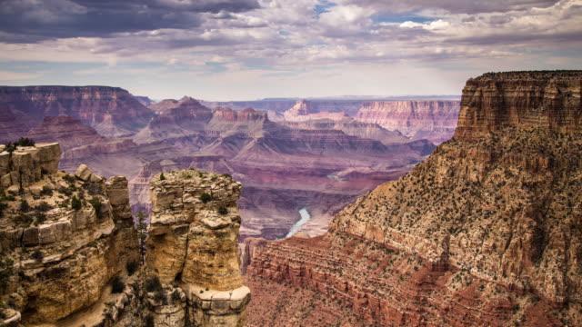 vidéos et rushes de pluie dans le grand canyon - time lapse - parc national du grand canyon