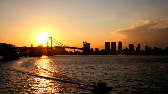 レインボーブリッジの夕日 - 船点の映像素材/bロール