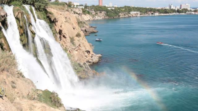 vídeos y material grabado en eventos de stock de rainbow en duden cascada de antalya, turquía - selimaksan