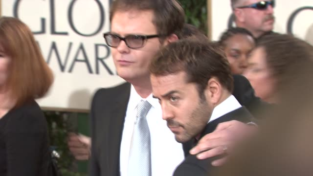 rainn wilson and jeremy piven at the 66th annual golden globe awards arrivals part 6 at los angeles ca. - jeremy piven stock videos & royalty-free footage