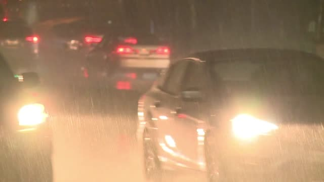 rainy night in san diego - ナイトイン点の映像素材/bロール