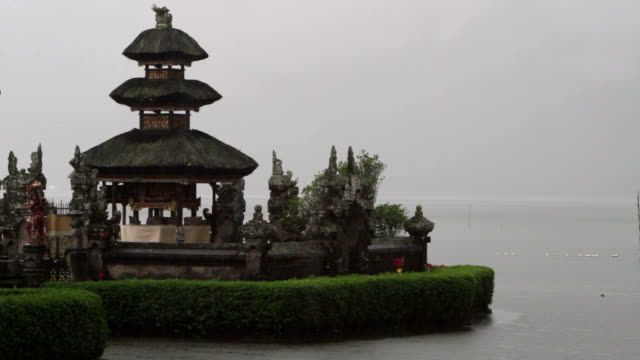 rainy temple - pura ulu danau temple stock videos & royalty-free footage