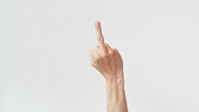 vídeos y material grabado en eventos de stock de raising the middle finger swearing flipping the bird - falta de respeto