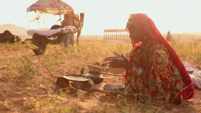 rajasthani woman cooking food, rajasthan, india - rajasthan stock videos and b-roll footage