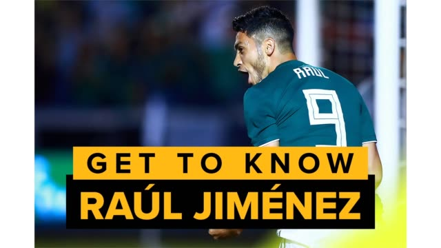 raúl jiménez is a center-forward for the wolverhampton wanderers in the english premier league and the mexico national team. - nationalmannschaft stock-videos und b-roll-filmmaterial