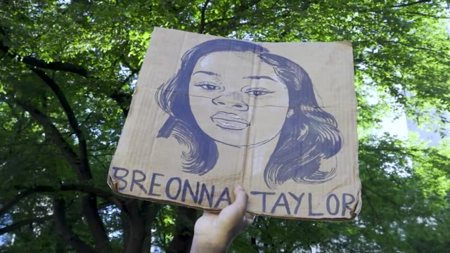 rally in support of families of black people killed by police. 15th consecutive day of protest sparked by the death of george perry floyd jr. an... - around the fair n.y stock videos & royalty-free footage