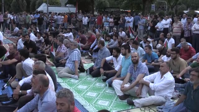 a rally is held in istanbul on july 28 2017 to show solidarity with palestinians in their struggle against israeli restrictions on alaqsa mosque the... - east jerusalem stock videos & royalty-free footage