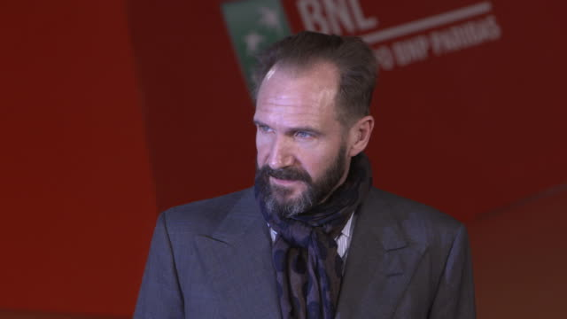 ralph fiennes at 'the english patient - il paziente inglese' red carpet - 11th rome film festival on october 22, 2016 in rome, italy. - the english patient点の映像素材/bロール