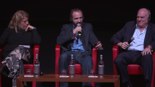 ralph fiennes on replacing judi dench as m in the james bond films at 'the english patient - il paziente inglese' press conference - 11th rome film... - the english patient点の映像素材/bロール