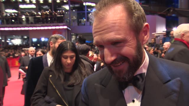 ralph fiennes on the film and on working with the rest of the cast at 'the grand budapest hotel' - opening ceremony at berlinale palast on february... - レイフ・ファインズ点の映像素材/bロール