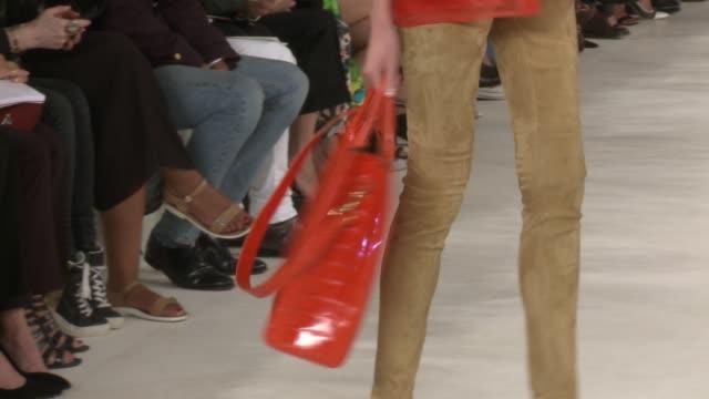stockvideo's en b-roll-footage met clean ralph lauren runway spring 2015 mercedesbenz fashion week at skylight clarkson sq on september 11 2014 in new york city - skylight clarkson sq