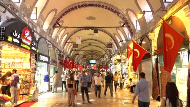 vídeos y material grabado en eventos de stock de ramadán en grand bazaar en estambul. timelapse - gran bazar