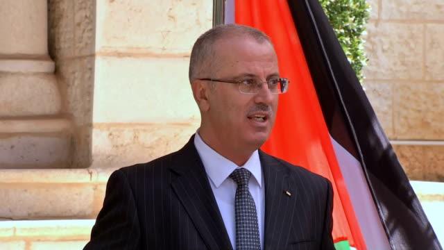 vídeos de stock, filmes e b-roll de ramallah first new government meeting - ramallah
