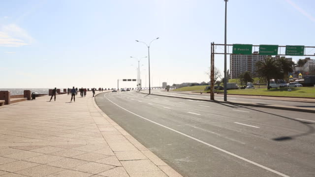 rambla of montevideo - montevideo stock-videos und b-roll-filmmaterial