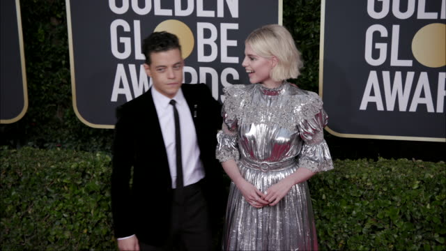 vídeos y material grabado en eventos de stock de rami malek and lucy boynton at the 77th annual golden globe awards at the beverly hilton hotel on january 05 2020 in beverly hills california - the beverly hilton hotel