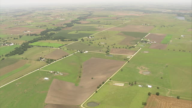 WS AERIAL Ranches and farm land in Texas and Lindsay 4 miles north west / Texas, United States